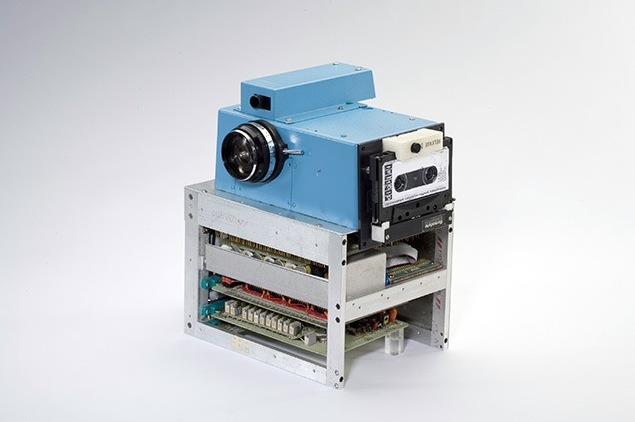First ever digital camera - kodak 1975
