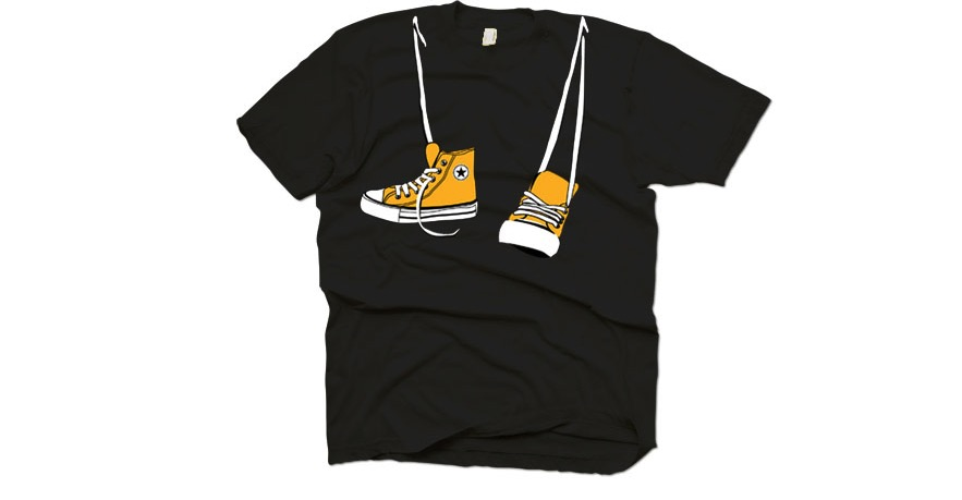 t-shirt with sneakers